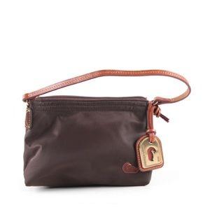 ✨🦆Dooney and Bourke Nylon brown pouchette 👜 💗⚡️